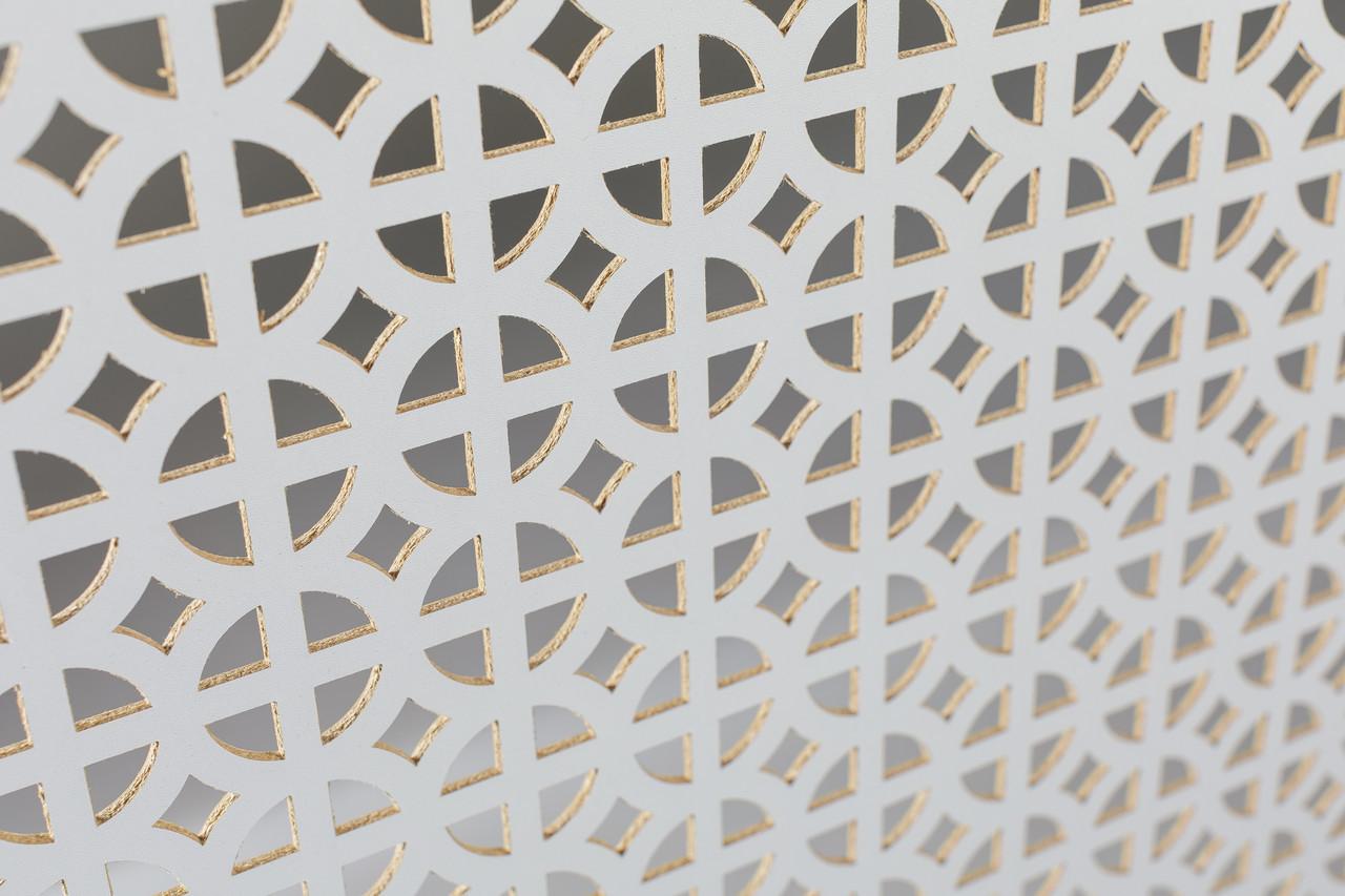Панель (решетка) декоративная перфорированная, цвет белый, 1390 мм х 680 мм
