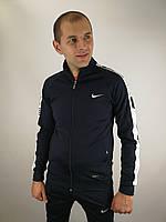 Ластиковый спортивный костюм Nike