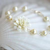 Свадебный браслет с цветком