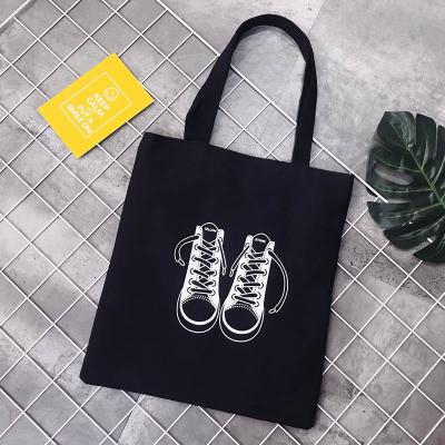 Эко-сумка черная с кроссовками