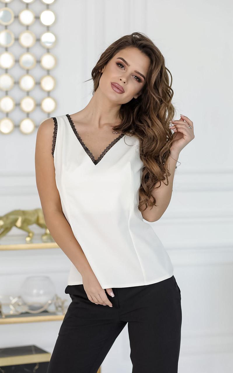 Блузка белая, с кружевом