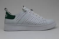 Легендарные туфли-лодочки Clubshoes модель 87 перфорация бело зеленая , обновленные в современном стиле.