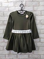Платье детское однотонное для девочки с цветком и поясом с бусинами размер 4-7лет, цвет хаки
