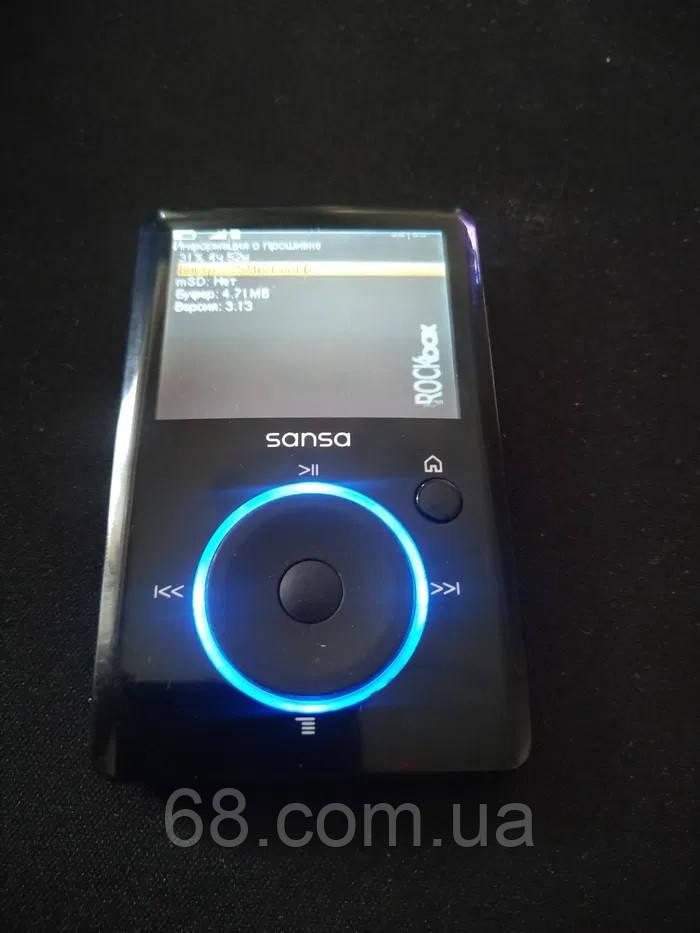 MP3-плеер SanDisk Sansa Fuze MP3, WMA, WAV, FM радио,Ogg Vorbis и FLAC б/у