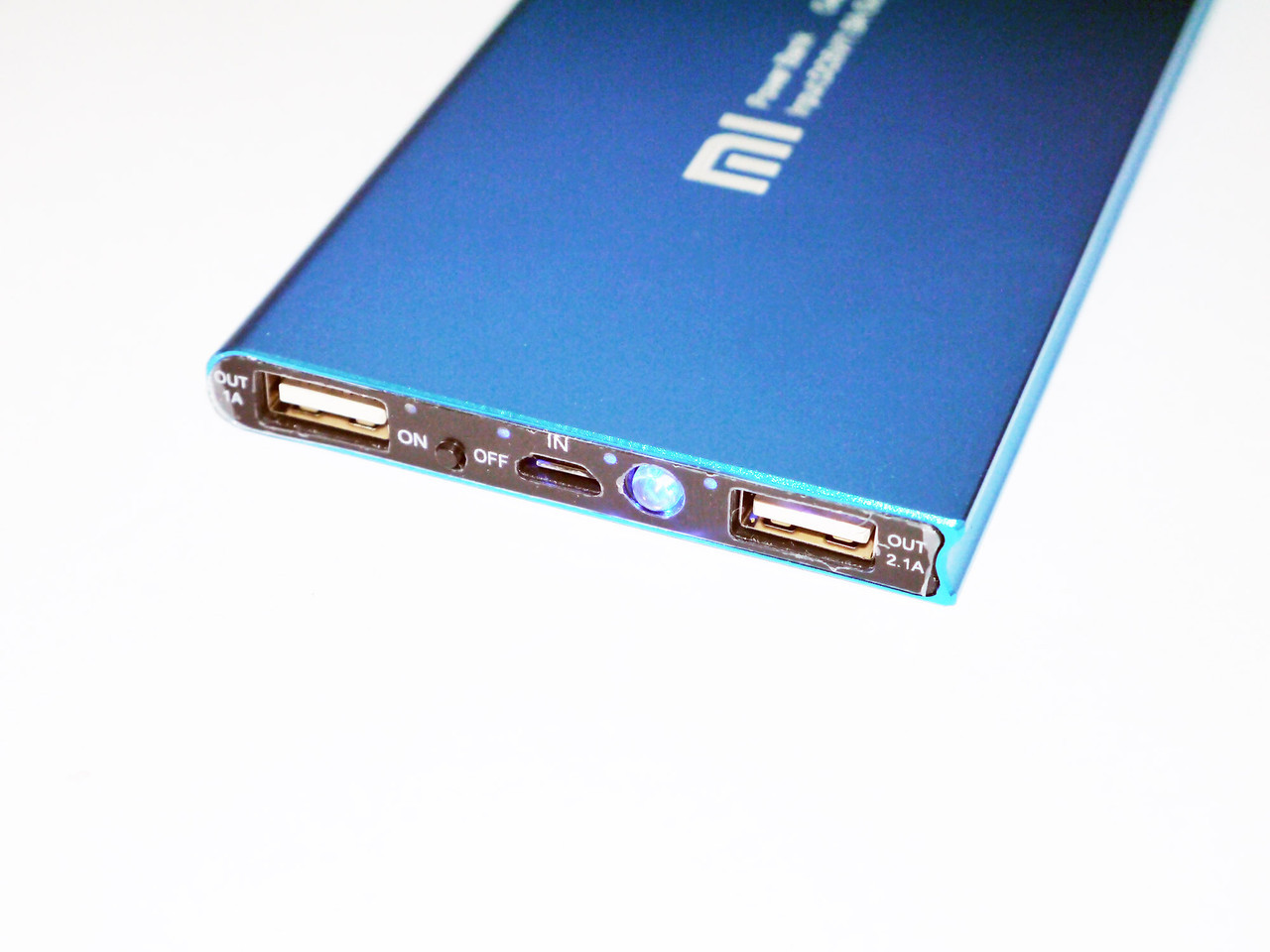 Ультратонкий Power Bank 14800 mAh 2 USB+фонарик