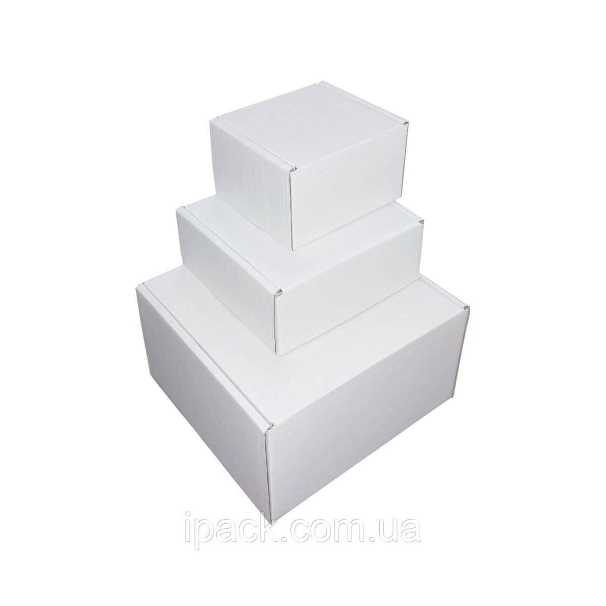 Коробка картонная самосборная 325*235*97 мм белая микрогофрокартон