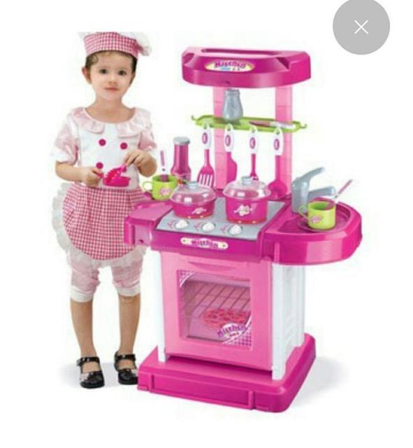 Игрушечные кухни, посуда, техника и аксессуары