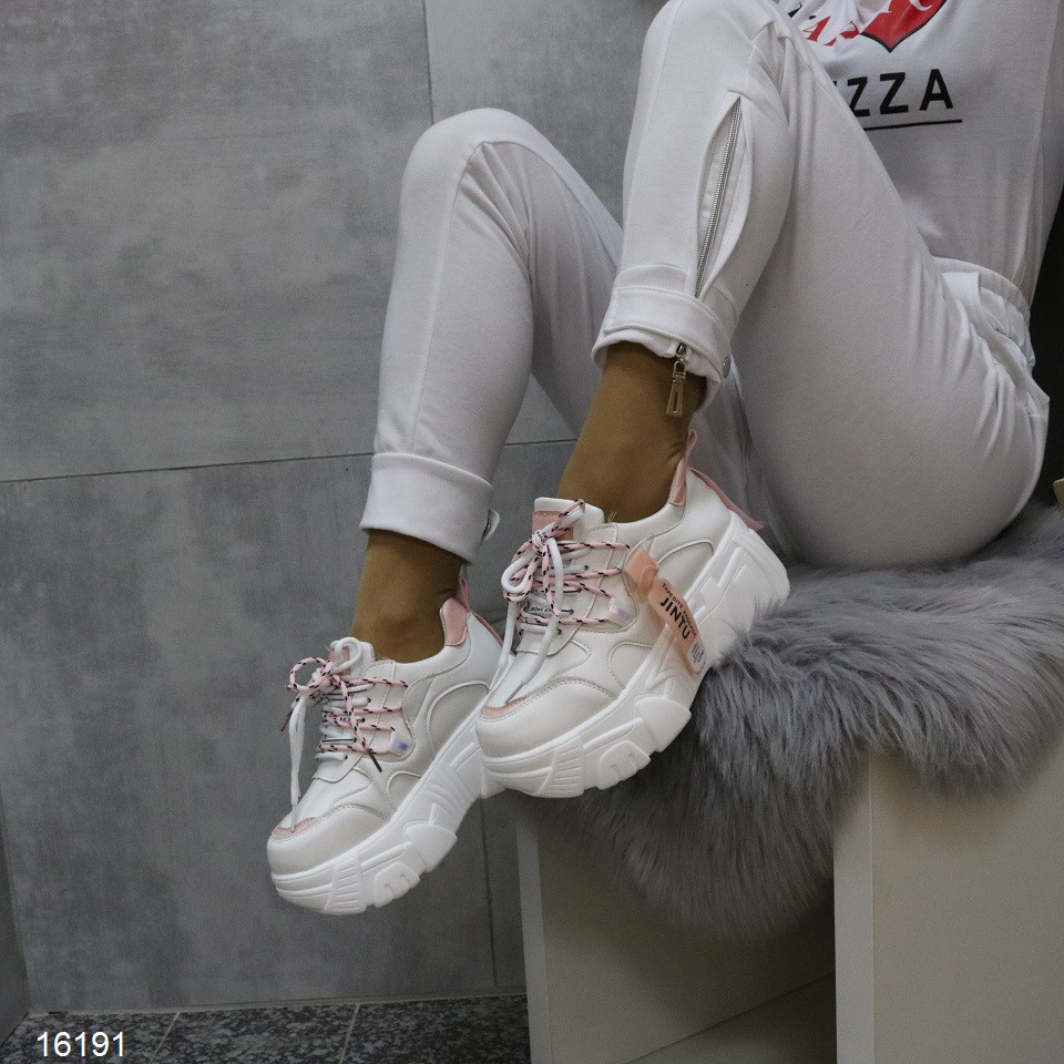 Женские демисезонные кроссовки Jintu на высокой платформе танкетке белые с розовым