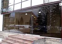 Стеклянный фасад из бронзового стекла