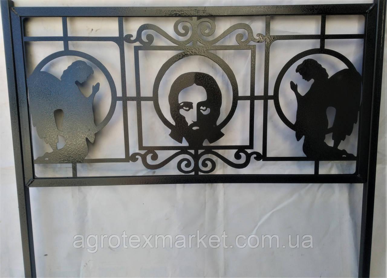Оградки на кладбище с листового металла и фигурными элементами