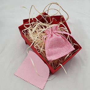 Женская подарочная коробочка с мешочком из мешковины, древесным наполнителем и бантом из бичёвки