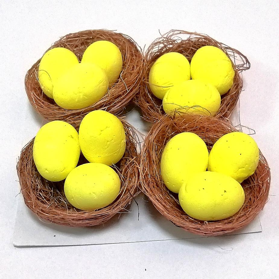 Яйца пасхальные в коричневых Гнездах