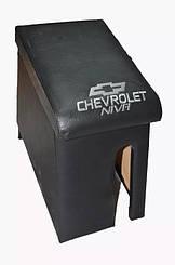 Подлокотник Chevrolet Нива с вышивкой кожзам
