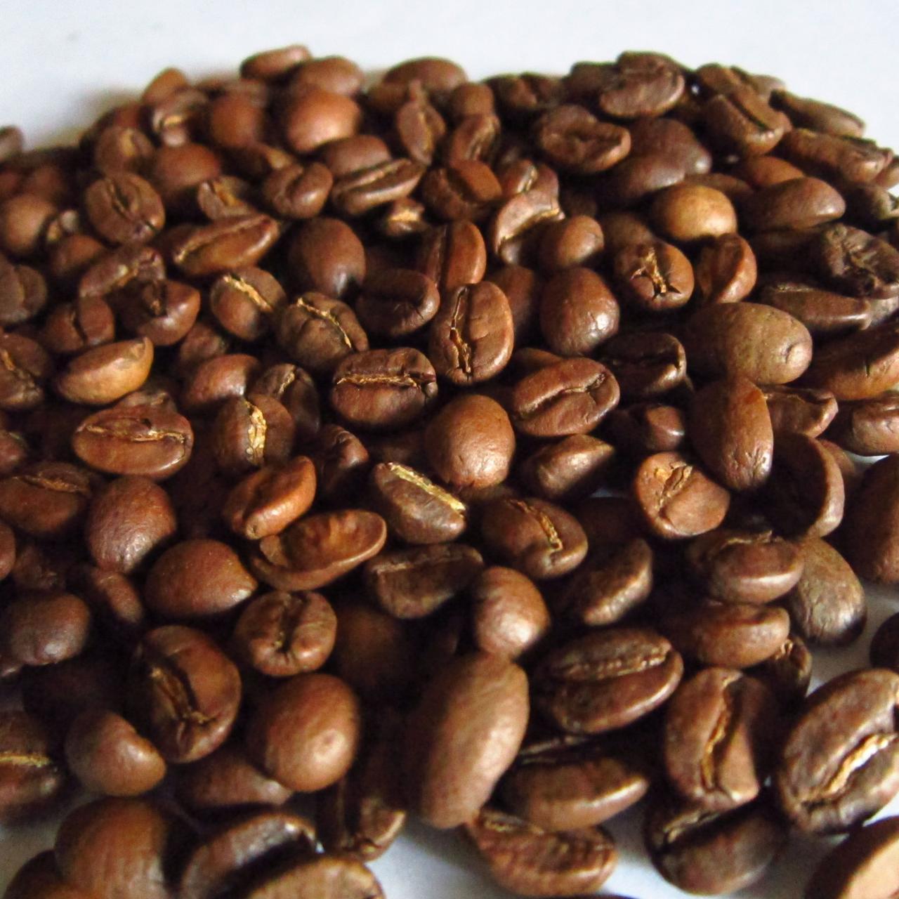 Зерновой свежеобжаренный кофе Арабика Индия Плантейшн