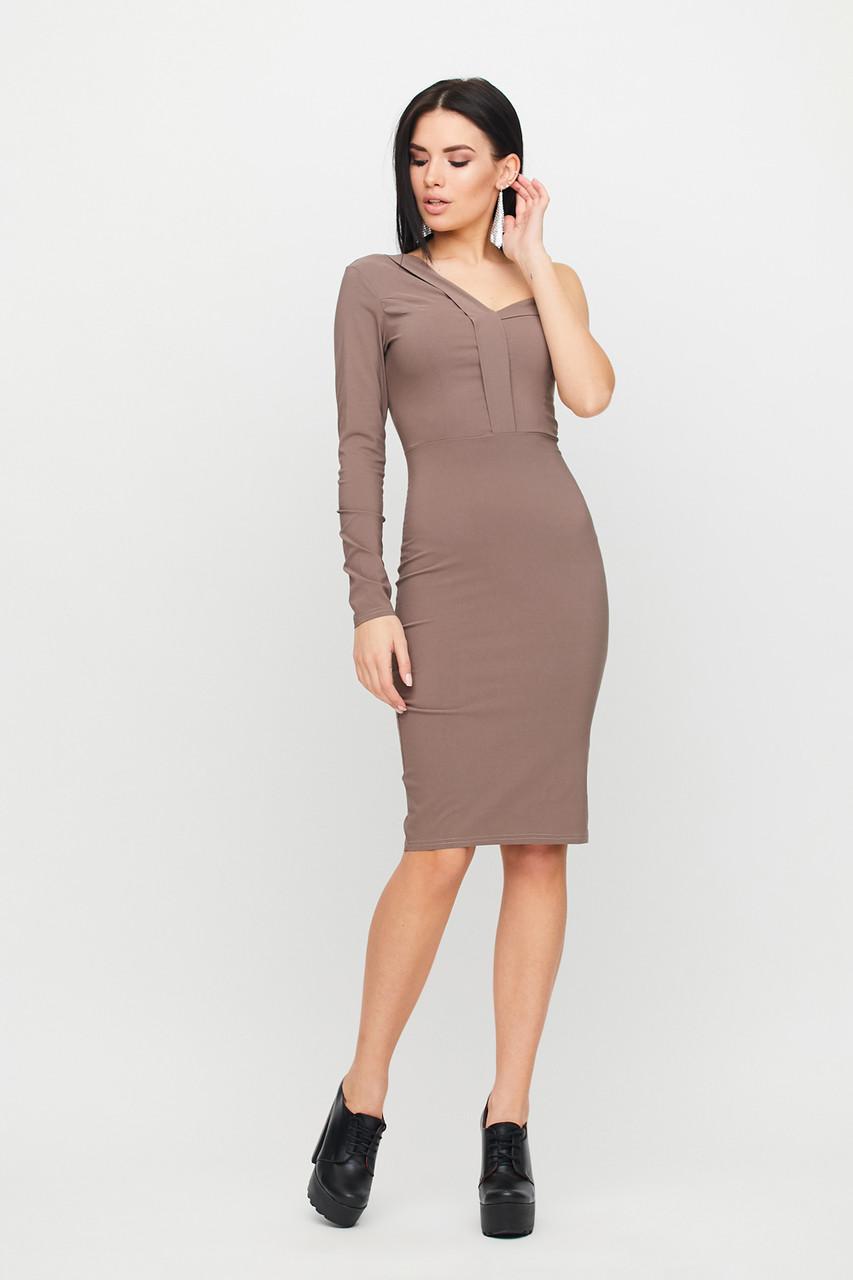 Кофейное платье-футляр с одним рукавом