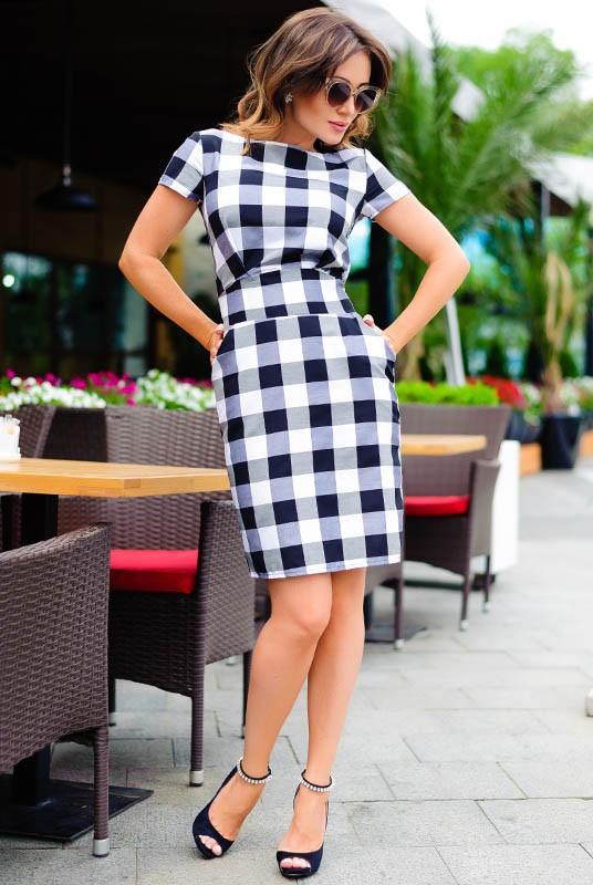 Модное трендовое платье в клетку