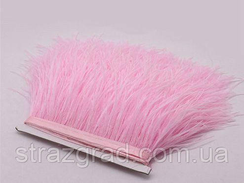 Пір'яна тасьма страусина. Колір Світло-рожевий. Перо 9-15см.Ціна за 0,5 м.
