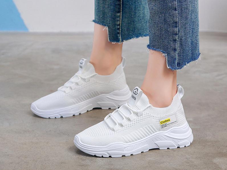 Кросівки жіночі Simple 38 розмір