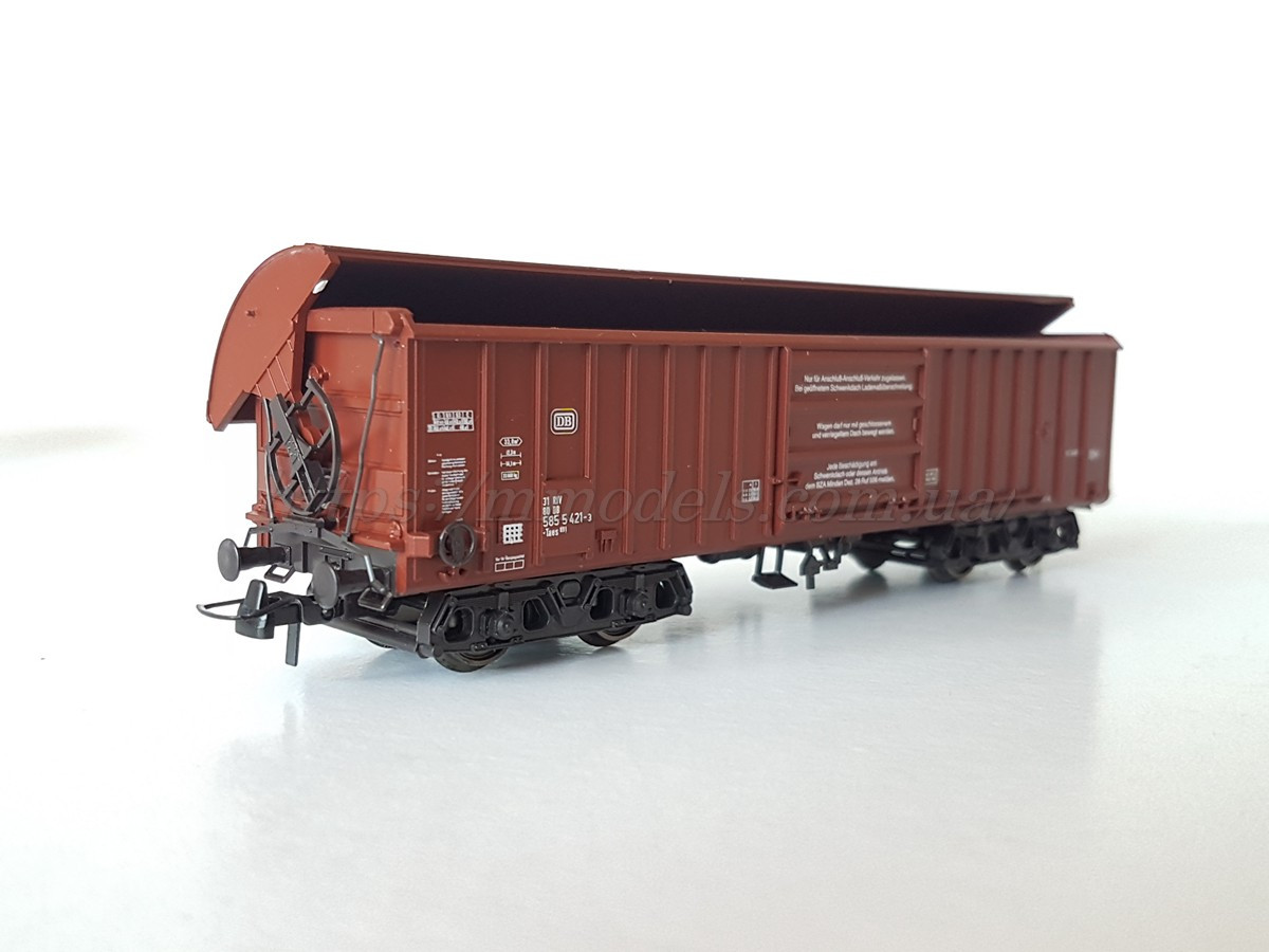 Roco 46210 модель 4ти осного крытого вагона с открывающейся крышей, масштаба 1/87, H0