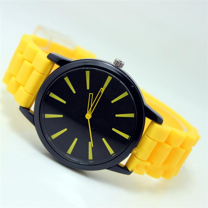 Женские часы Geneva quartz желтые