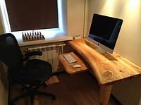 Деревянный столик для компьютера