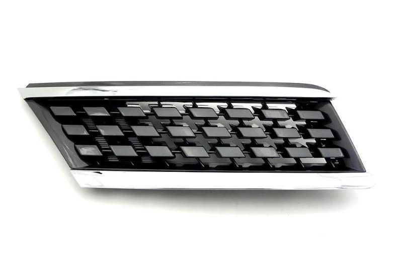 Решетка радиатора левая (клетка) Nissan Tiida 05-12 арабская версия (FPS) 62330ED000