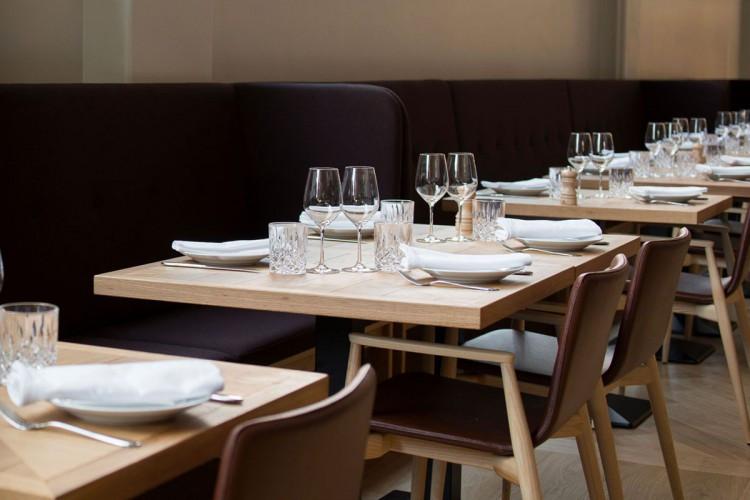 restaurant_and_bar_tables.jpg