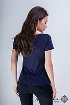 Красива жіноча вишита футболка у синьому кольорі із квітковим орнаментом «Маковий цвіт», фото 2