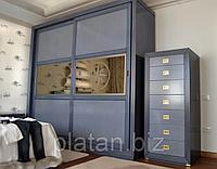 Цветные шкафы в интерьере — яркое дизайнерское решение