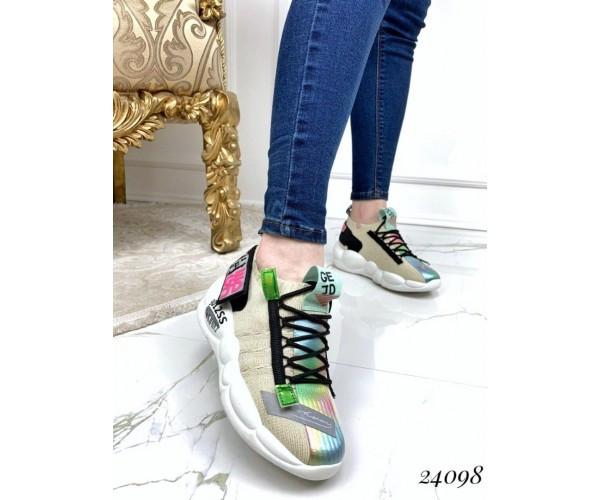 Женские кроссовки GEJD