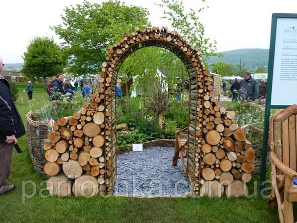 Садовая арка из дубовой чурки