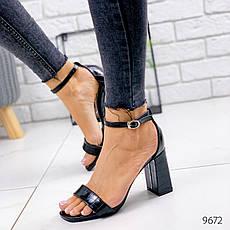 Летние босоножки женские на каблуке, черного цвета из эко кожи. Босоніжки жіночі, фото 2