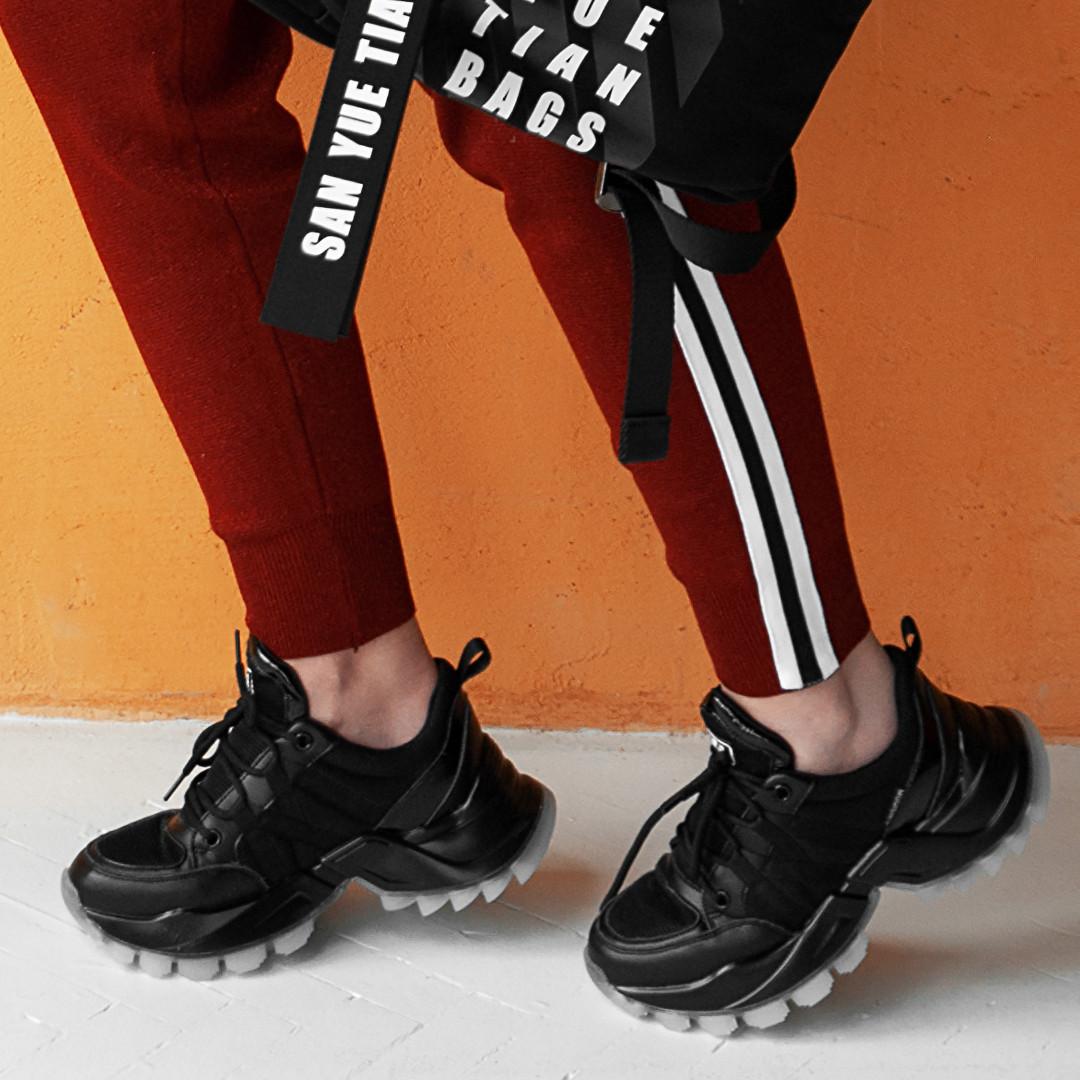 Чорні кросівки жіночі INSHOES