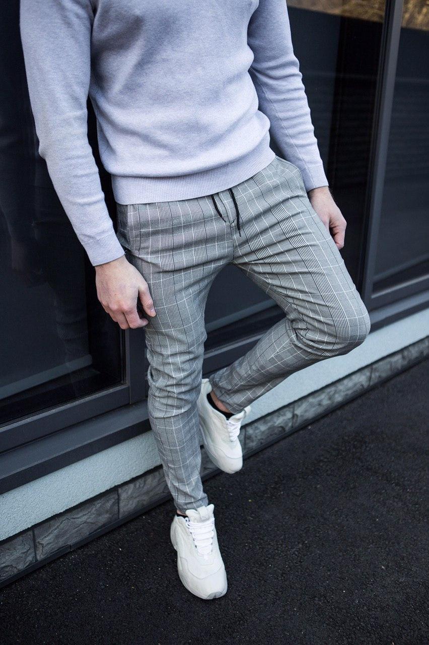Мужские брюки классика в клетку серые