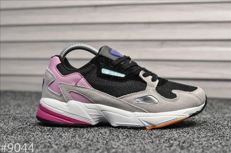 Стильные женские кроссовки Adidas Falcon Black/Grey/Pink