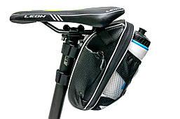 Велосумка под седло с отделение под бутылку черный с белым BRAVVOS AZ-400