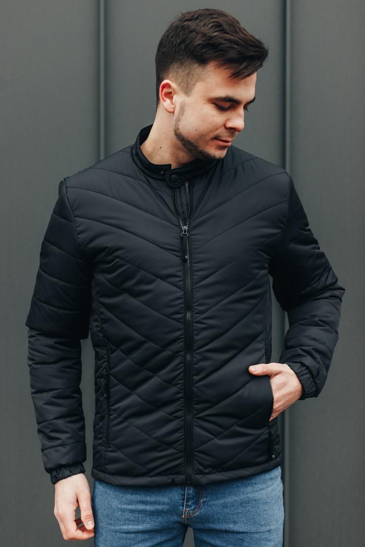 Чоловіча Стильна демісезонна куртка чорна