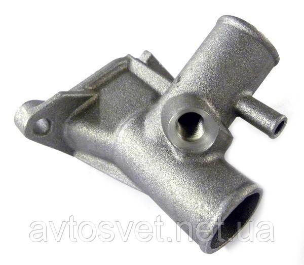Патрубок выпускной насоса водяного ВАЗ 2108 (тройник блока) (пр-во АвтоВАЗ,Тольятти) 21080-130301410