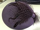 Женский маленький  фетровый берет украшен вуалью цвет под заказ, фото 3
