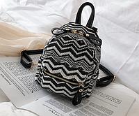 Маленький плетеный рюкзак