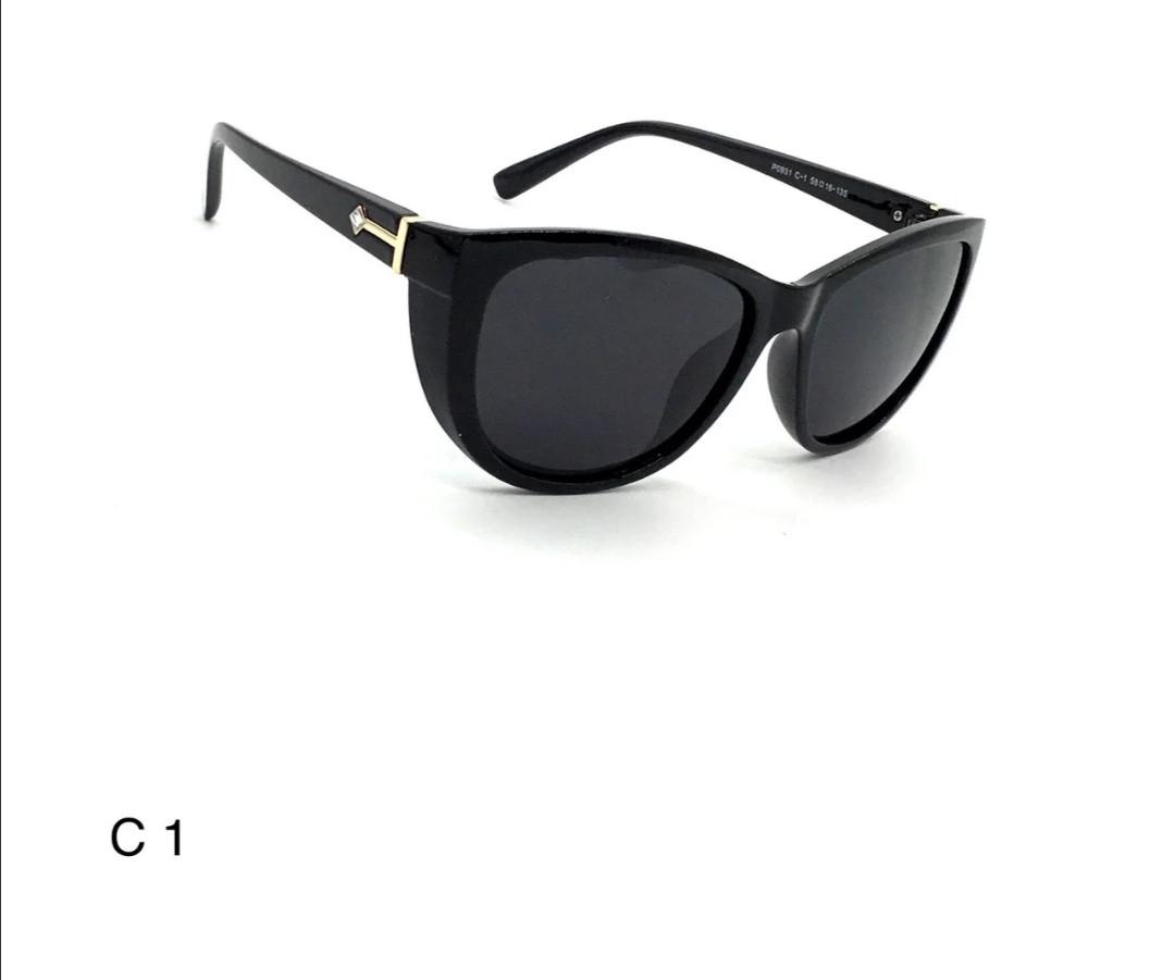 Солнцезащитные очки женские, классика с полароидной линзой.