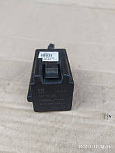 Реле вентилятора  Opel Zafira b Astra h 13119468