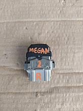 Кнопка   стеклоподъемника Renault Megane Scenic 03-08р 28082