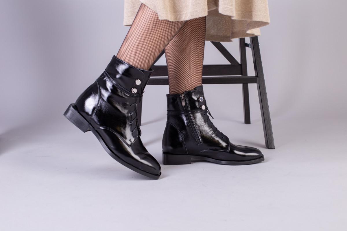 Демісезонні чорні черевики шкіра наплак