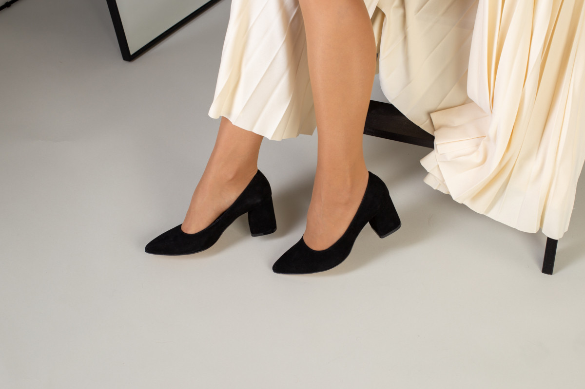 Туфли женские замшевые черные, каблук 6,5 см
