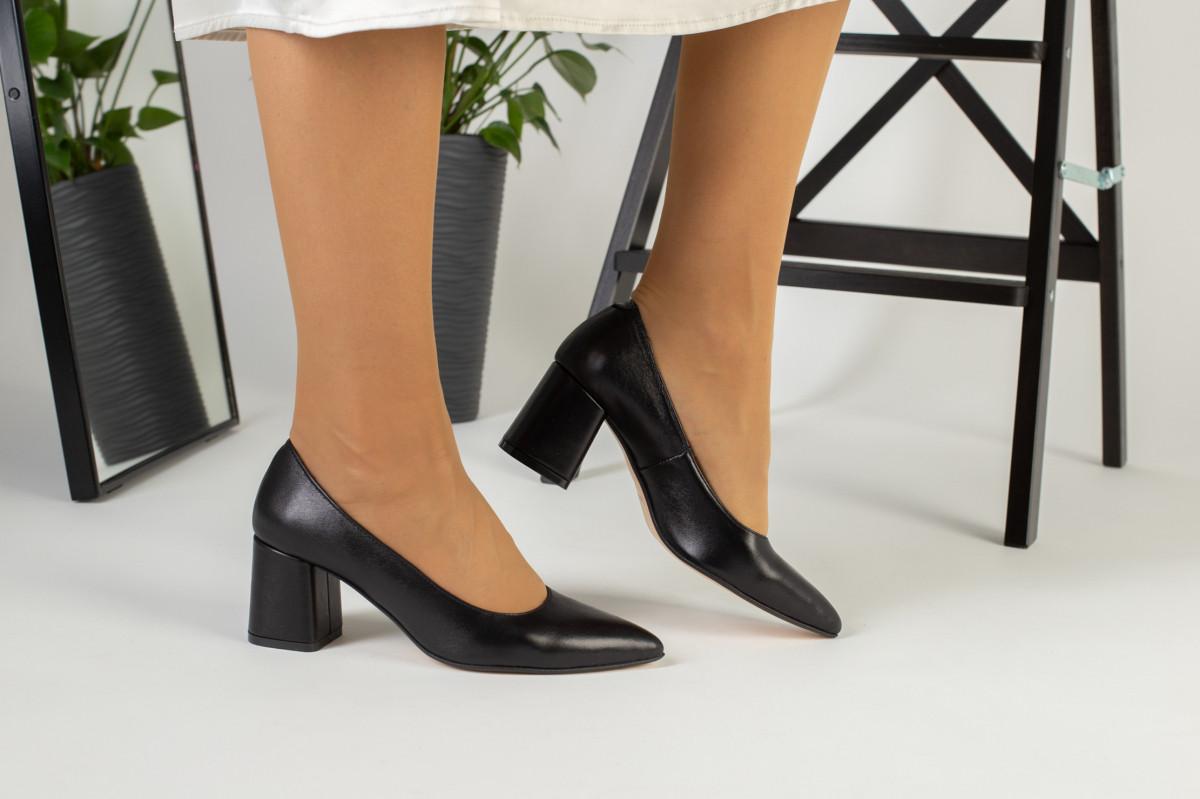 Туфли женские кожаные черные, каблук 6,5 см