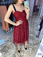 Нарядное кружевное платье с лентами на плечах Бордовый