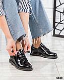 Стильные лаковые туфли женские на шнуровке, фото 2