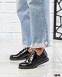 Стильные лаковые туфли женские на шнуровке, фото 4