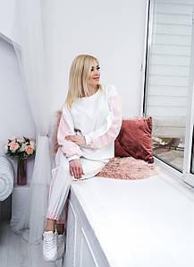 Женский прогулочный костюм белый